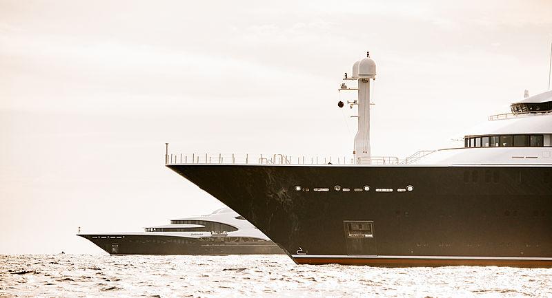 Octopus yacht by L眉rssen in Monaco