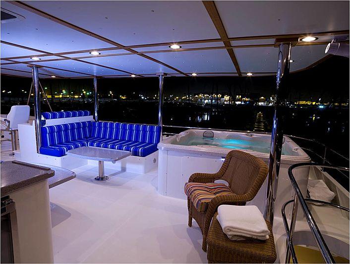 Heaven's Gate yacht jacuzzi