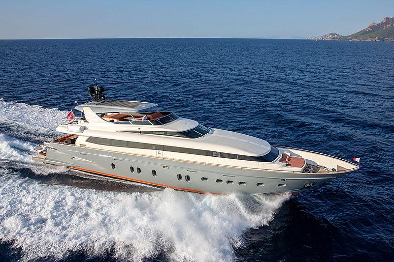 Canados 110 Y42 yacht exterior