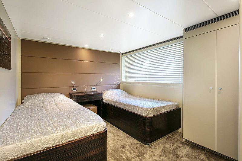 Canados 110 Y42 yacht interior
