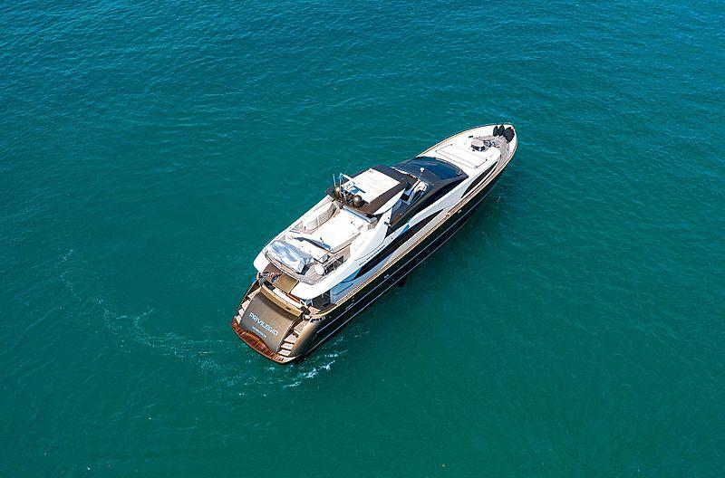 Privilegio yacht aerial
