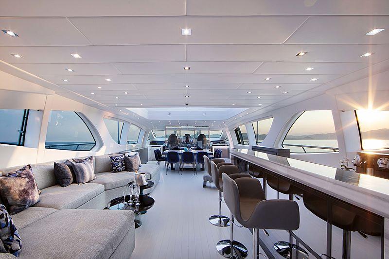 Veni Vidi Vici yacht interior