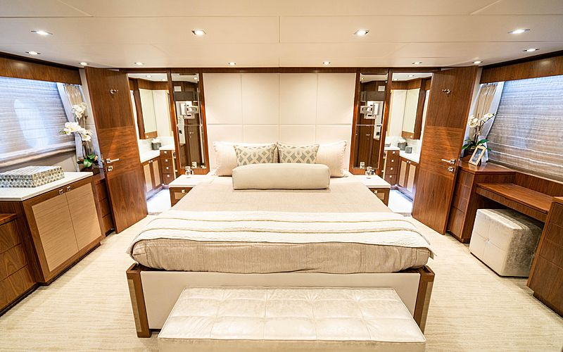 MB3 yacht stateroom