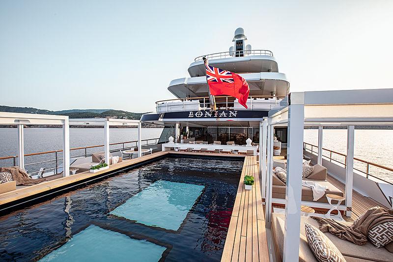 Lonian yacht pool