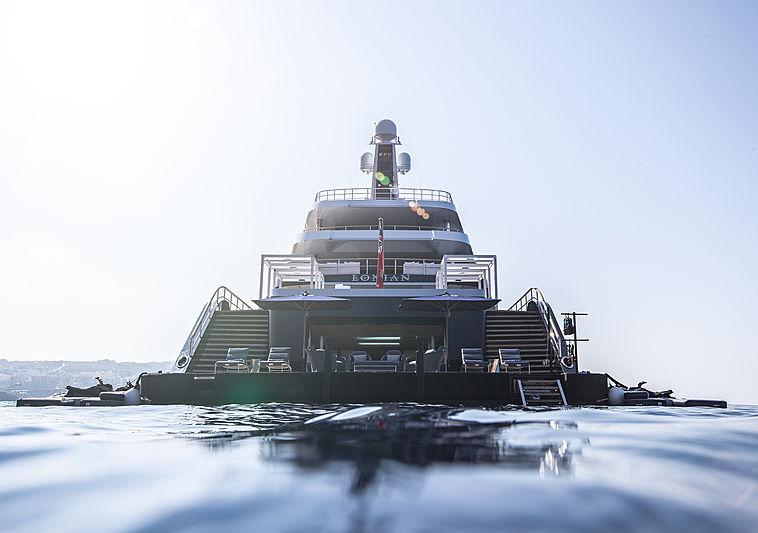Lonian yacht stern
