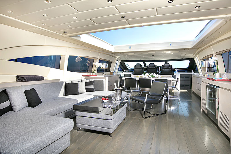 Phantom yacht main living room