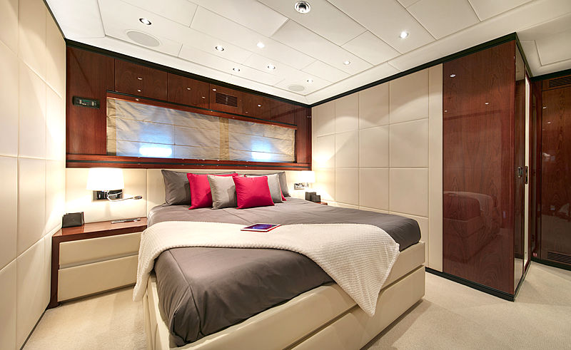 Phantom yacht guests's cabin