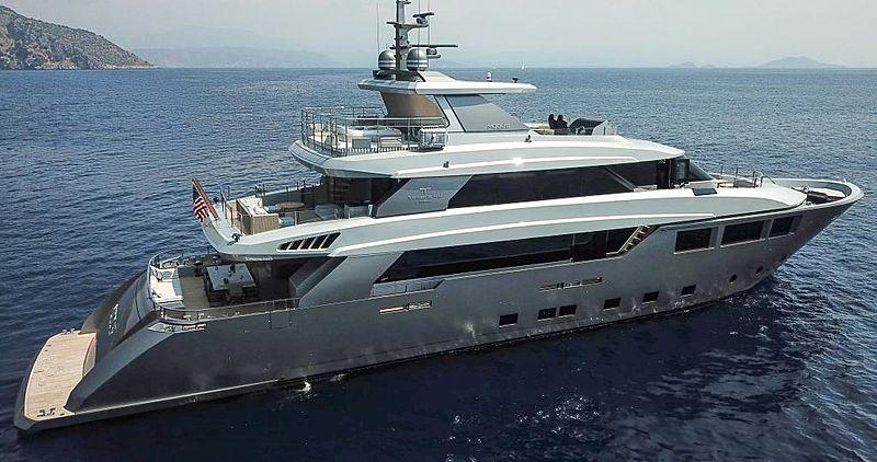 Modus yacht at anchor