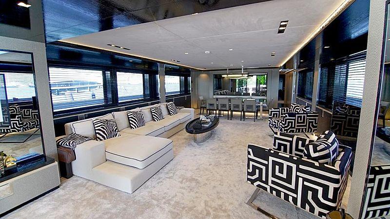 Modus yacht saloon