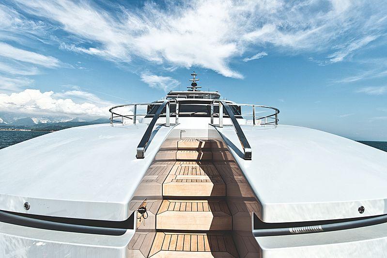 Modus yacht Portugese bridge