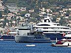 Bold yacht in Juan-les-Pins