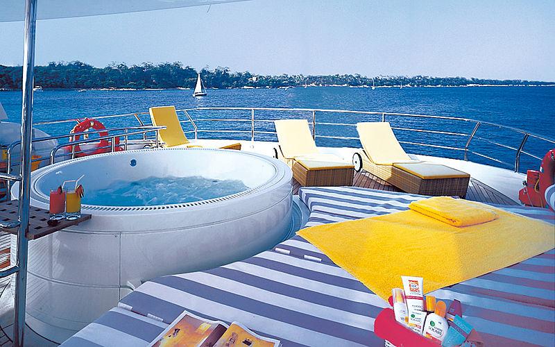 Phoenix yacht jacuzzi