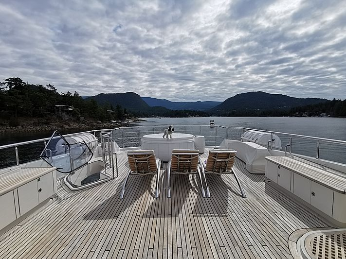 Komokwa yacht flybridge