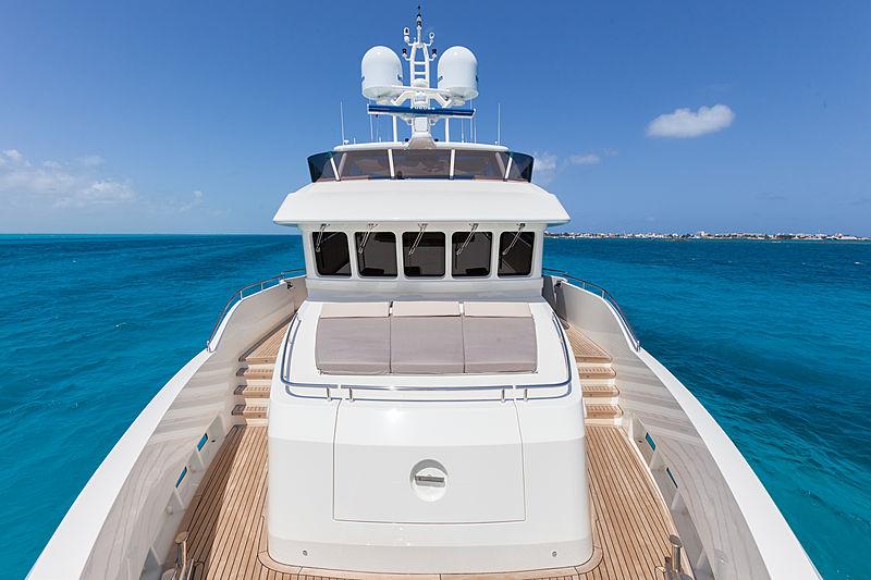 Acala yacht foredeck