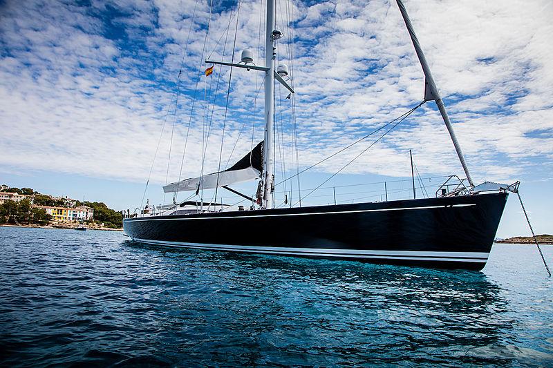 Aquarius Afla yacht exterior
