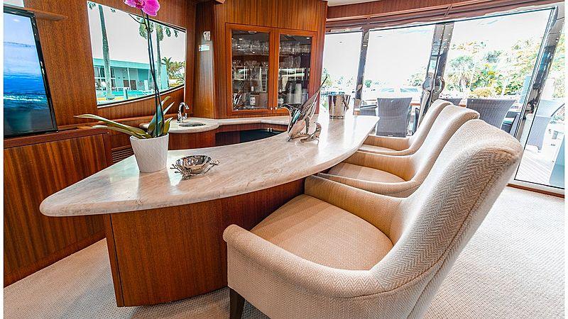 Family Jewel yacht bar