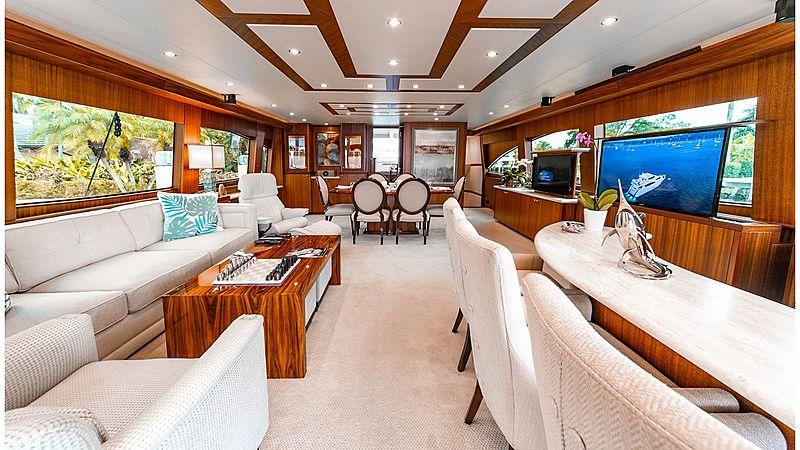 Family Jewel yacht saloon