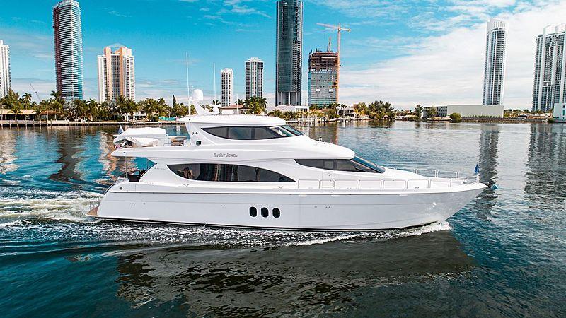 Family Jewel yacht cruising