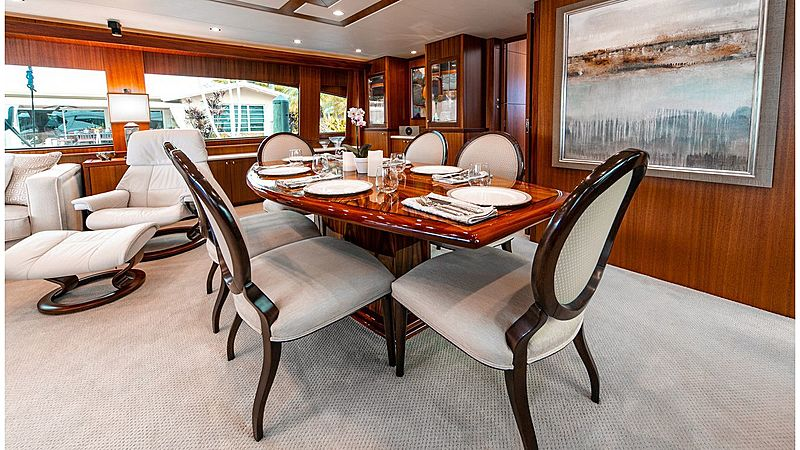 Family Jewel yacht dining table