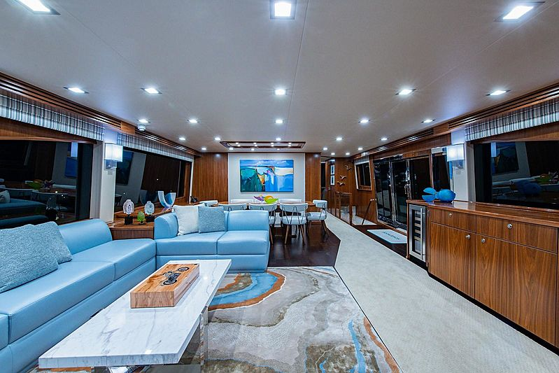 Book Ends yacht saloon