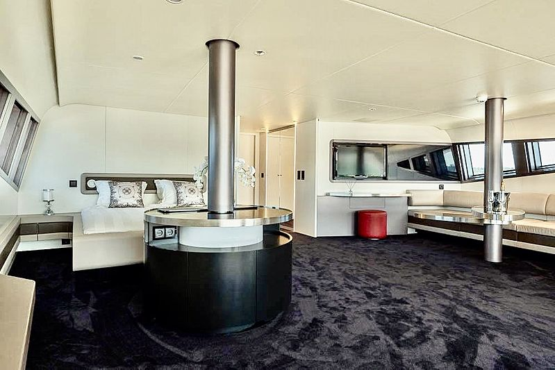 Royal Falcon One  yacht stateroom