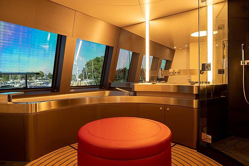 Royal Falcon One  yacht bathroom