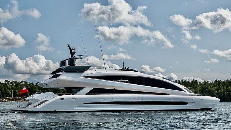 Royal Falcon One  yacht cruising