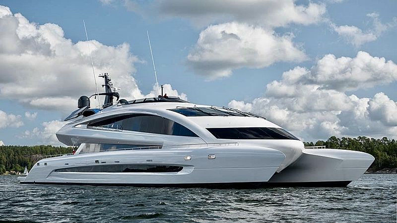 Royal Falcon One  yacht cruising
