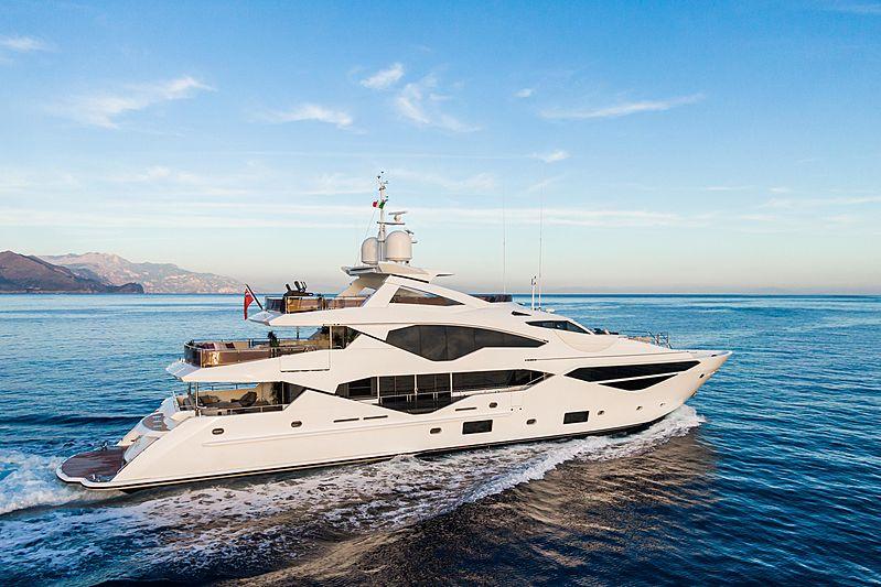 Angelus yacht cruising