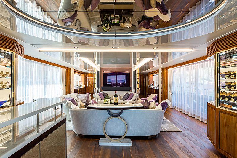 Angelus yacht saloon