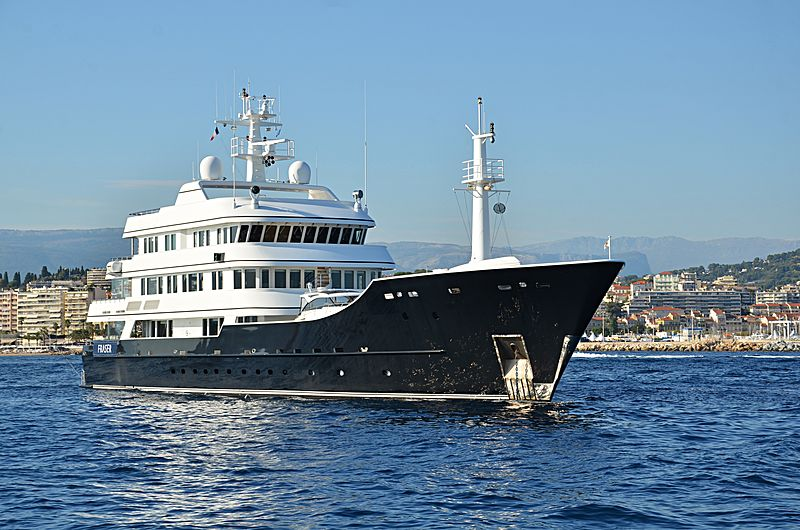 Grand Rusalina yacht anchored off Cannes