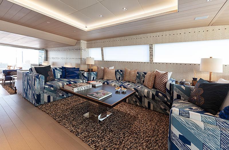 A2 yacht saloon
