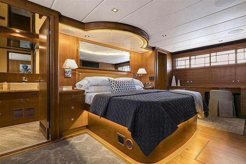 Simon Says yacht stateroom