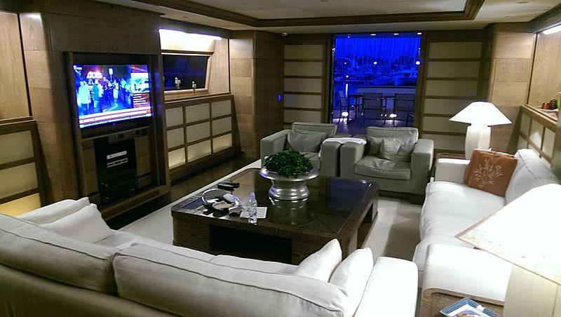 Shooting Star Delta yacht saloon