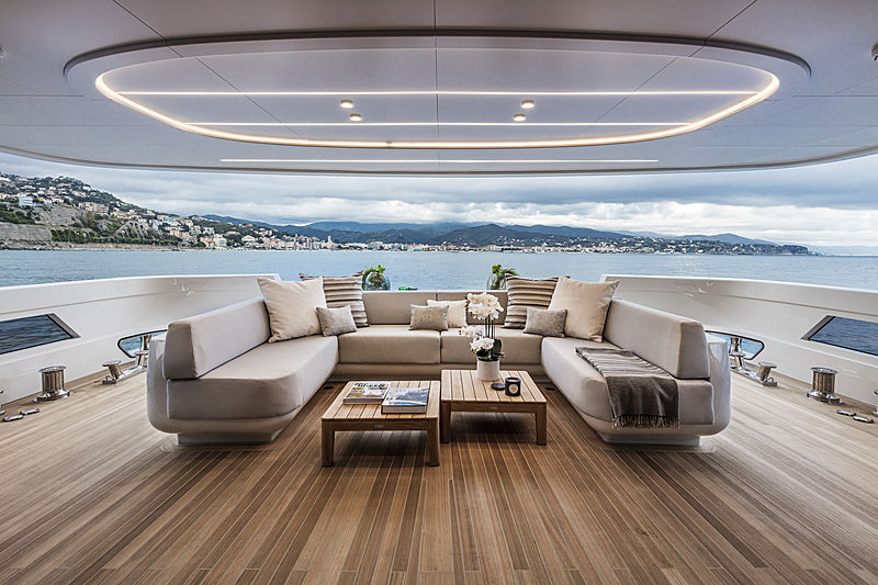 L.A.U.L yacht by Extra Yachts