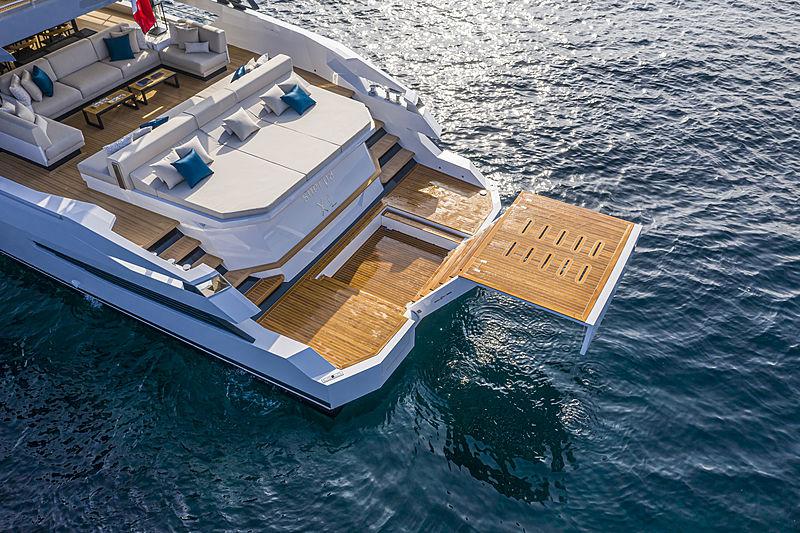 Arcadia Sherpa XL#01 yacht anchored