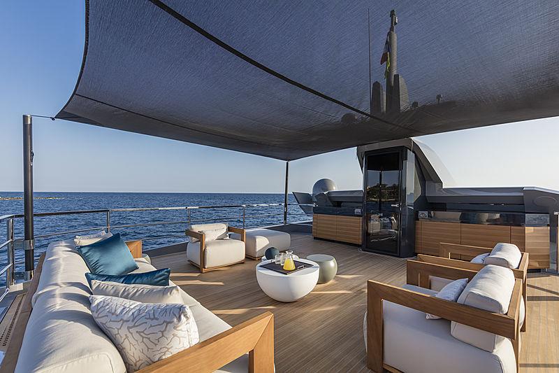 Arcadia Sherpa XL#01 yacht deck