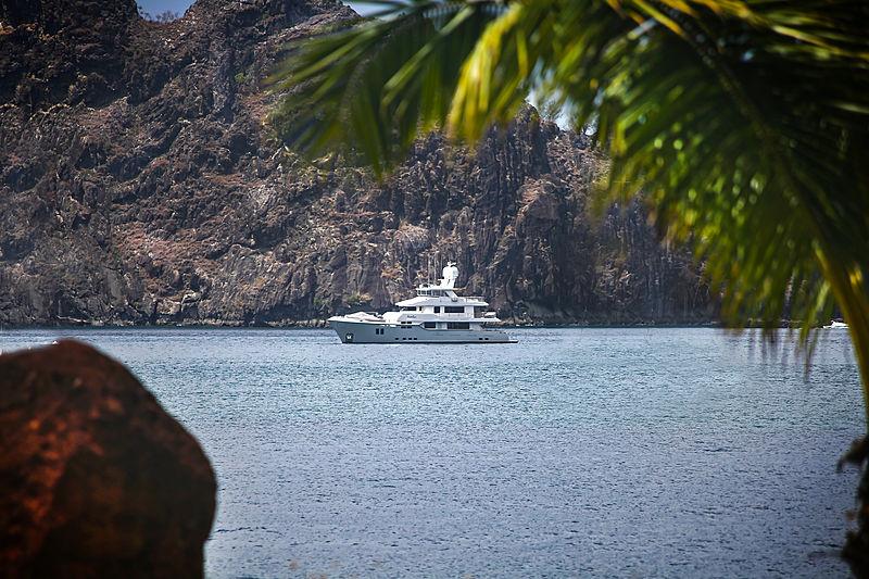 Vivierae yacht cruising