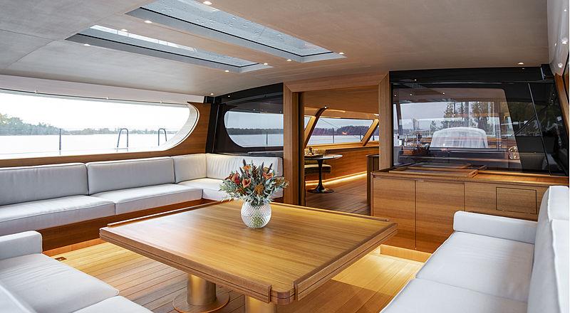 Canova yacht aft deck