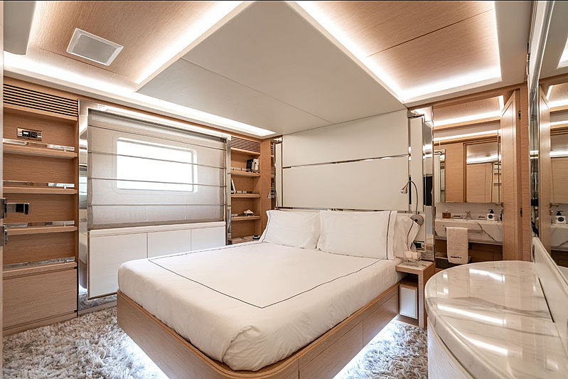 Princeville yacht stateroom