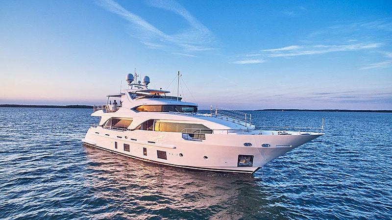 Princeville yacht cruising
