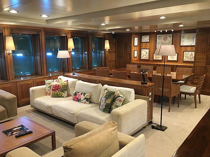 Karima yacht saloon
