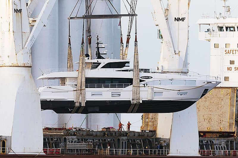 Majesty 100/06 yacht being unloaded in Fort Lauderdale