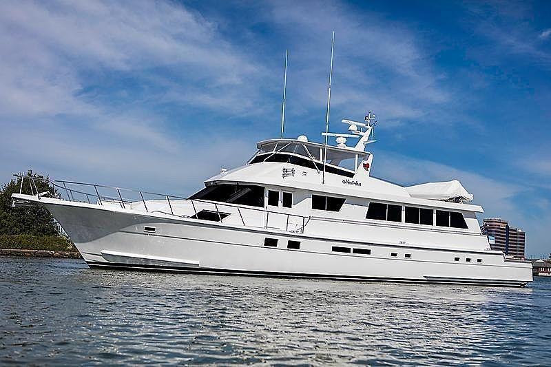 NAUTI LASS yacht Hatteras