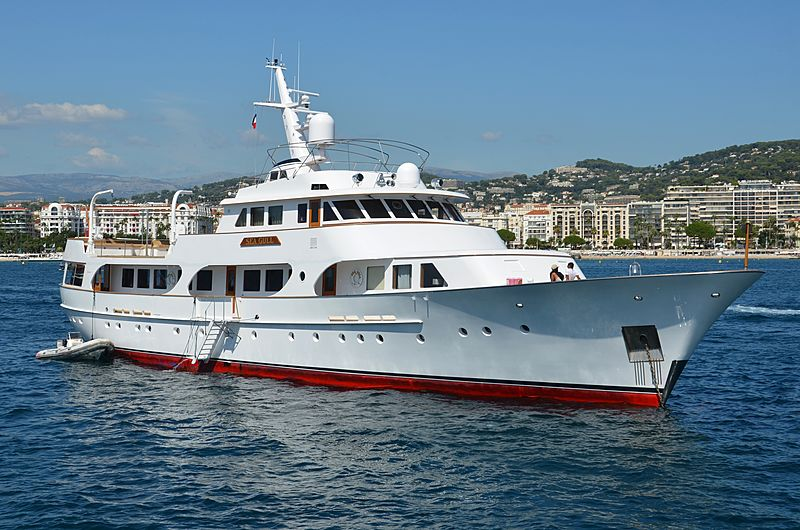 Seagull of Cayman yacht anchored off Cannes