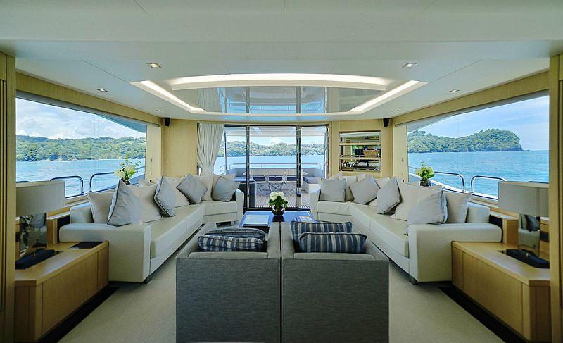 Pura Vida yacht saloon