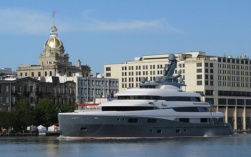 68m yacht Aviva moored