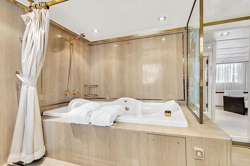 Adamas II yacht guest's bathroom