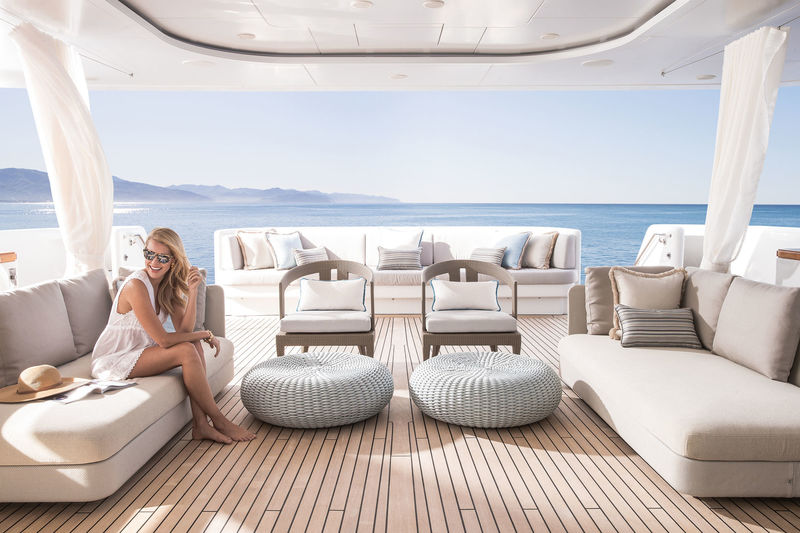 Turquoise aft main deck