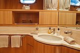 Panthours yacht bathroom